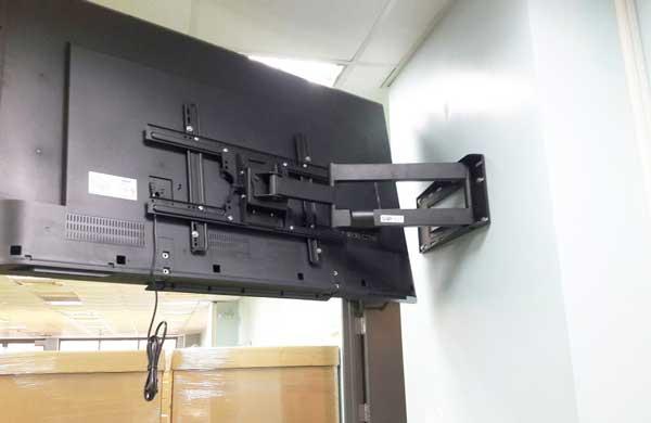 Giá treo tivi NB SP2 nhập khẩu - treo vuông góc 90 độ từ (40-70 INCH)